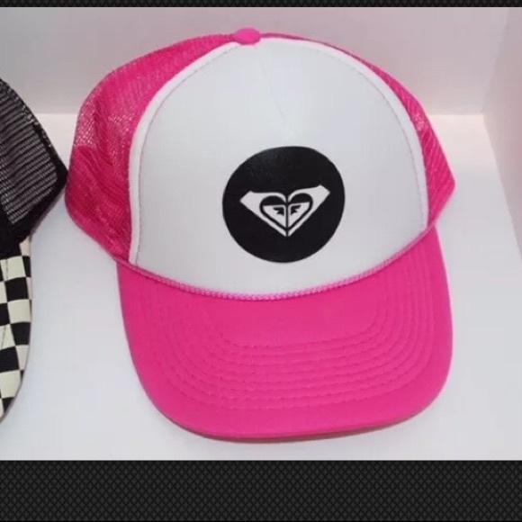 Pink Roxy hat. M 5a9db59ea44dbeb9785778d7 06c3a8346f24